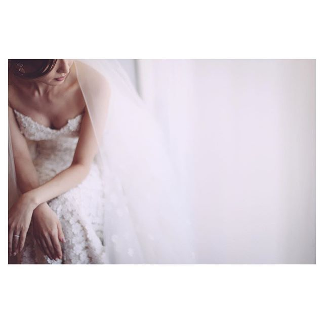 .にじみ出る美しさにうっとり...♡..Photo @makoozaki Produced by @la.chic.weddings