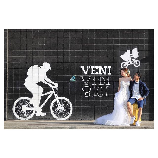 .Kakaako Wall ArtETみっけ︎..Photo by @makoozaki Produced by @la.chic.weddings