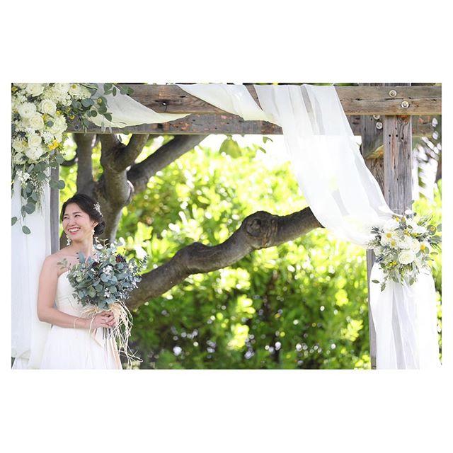 .素敵な額縁🖼.. @makoozaki  @flowersfortwo Produced by @la.chic.weddings