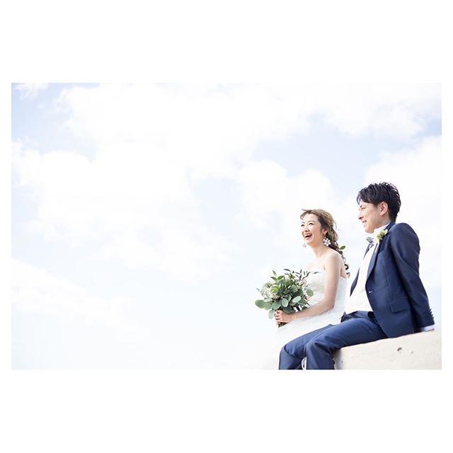 .雲の上に浮かんでるみたい️ハワイの風を感じながら自然体のふたりで...♡.. @ayastomikawa Produced by @la.chic.weddings