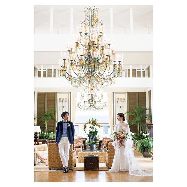 .@kahala_resort カハラホテル滞在なら、必ず残したい特別な空間.. @tmj_photo @beunitedgraphy  @hisami_hairmake Produced by @la.chic.weddings