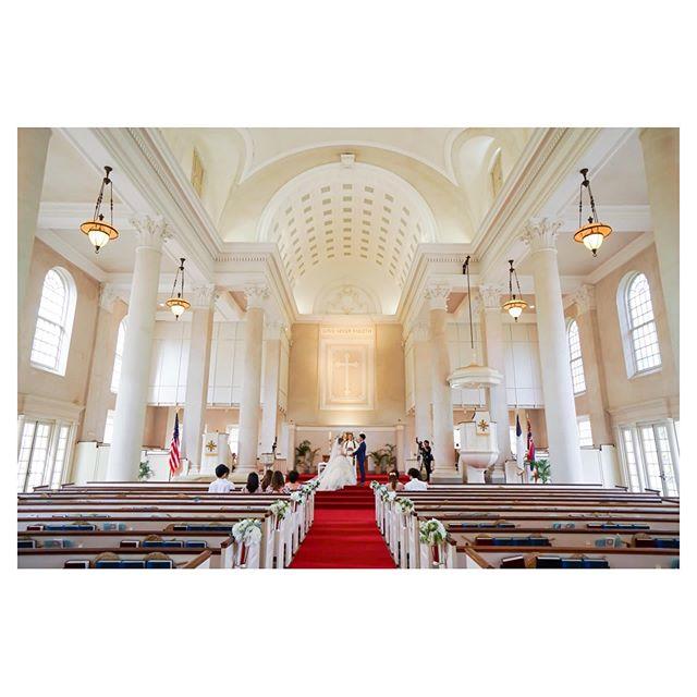 .白と赤のコントラストが美しいセントラルユニオン大聖堂️パイプオルガンの音色が響き渡るなか、本格的な挙式が叶います...#centralunionchurch
