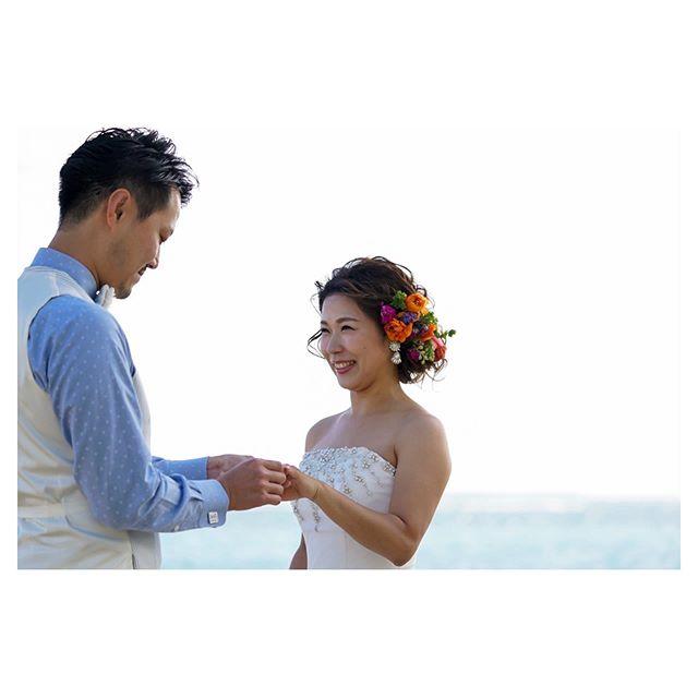 .指輪交換...幸せが伝わる最高のスマイル◡̈♡.. @mak_ishii @beunitedgraphy  @hisami_hairmake Produced by @la.chic.weddings