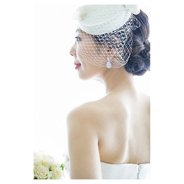 .Elegantって言葉がしっくりくる。 @hisami_hairmake . @mak_ishii Produced by @la.chic.weddings