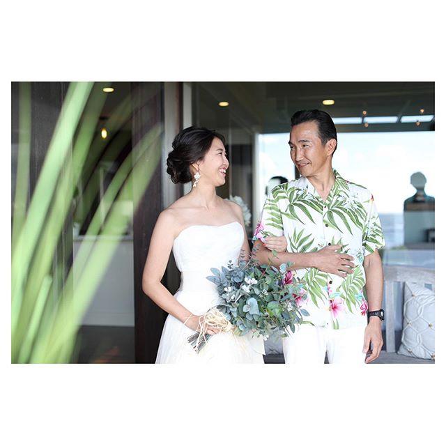 .挙式の前の、父と娘ふたりきりの特別な時間。 照れ臭いけど、ありがとうの一言だけでも伝えたい...♡.. @makoozaki @beunitedgraphy  @bilino_atsuko Produced by @la.chic.weddings