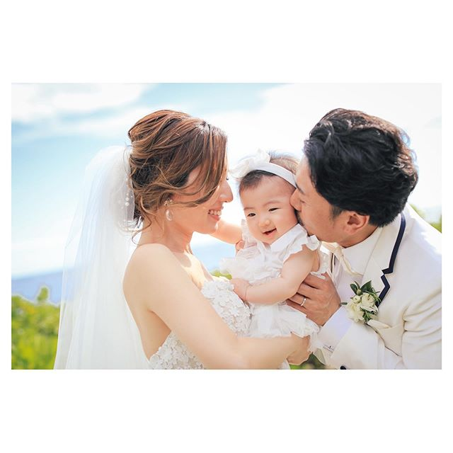 .幸せがギューーーって詰まったファミリーウェディング.. @makoozaki Produced by @la.chic.weddings