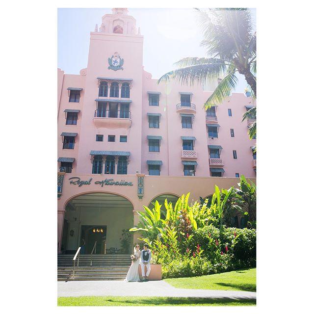 .憧れのピンクパレスステイするなら必ず収めておきたい一枚︎@royal_hawaiian