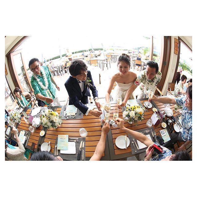 .パブリックな空間で開放的に行うアフターパーティ🥂この雰囲気、楽しんだもの勝ち︎.. @makoozaki Produced by @la.chic.weddings