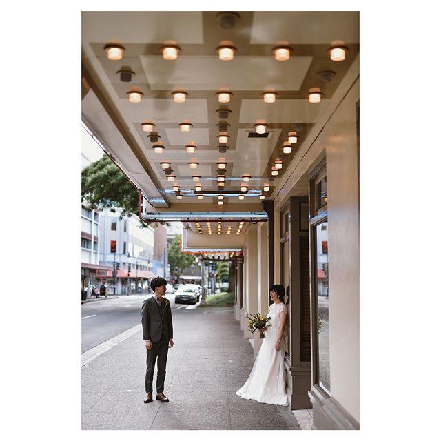 .灯が灯り出すダウンタウンはムードがグッと増してくる☆*.. @hideohba Produced by @la.chic.weddings