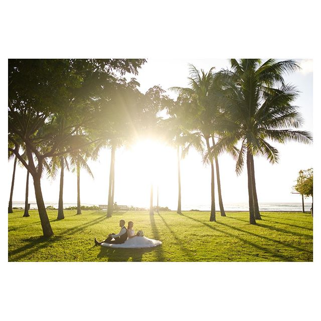 .改めて思う。ハワイのロケーションってやっぱり最高︎一瞬一瞬、五感で楽しんで欲しい。.. @mak_ishii Produced by @la.chic.weddings