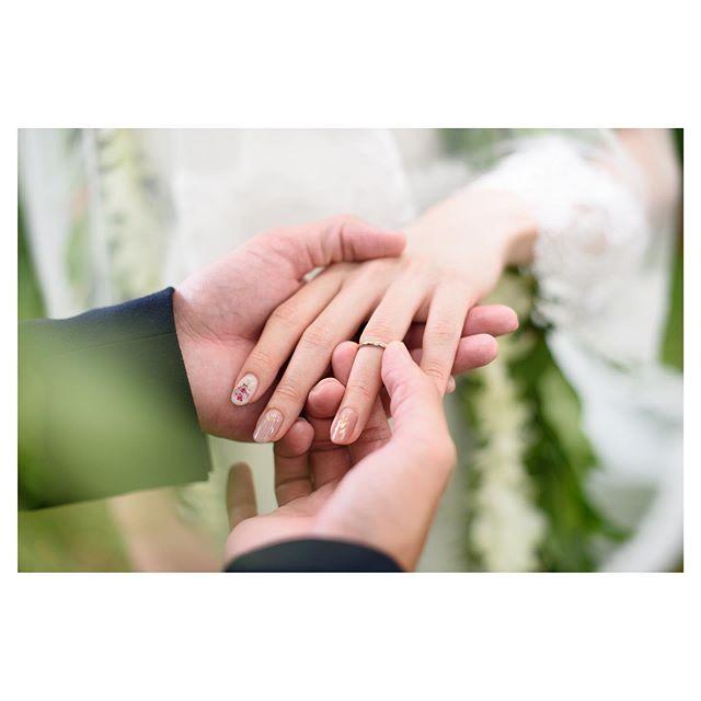 .華奢な指にはめられた永遠の誓いこの愛がずっと続きますように...と祈りを込めて♡